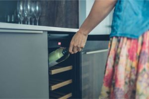 Ivation 18-Bottle Thermoelectric Wine Cooler Review